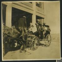 1909-1913 People in a Carriage
